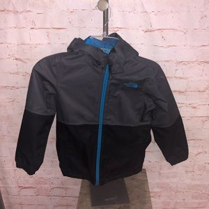 The north face light weight rain jacket youth 7/8